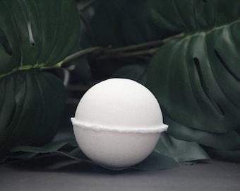 vanilla bath bomb/bath bomb/all natural bath bomb/bath fizzy/bath accessories/fragrance bomb/organic bath bomb/handmade bath bomb