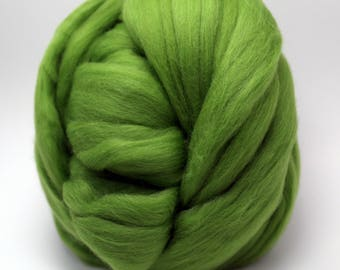 4 oz. Merino Wool Top - Kiwi - Ships Free