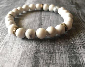 White Howlite and brass stretch bracelet