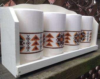 Shaker wall shelf/Rack/Ukrainian pattern ceramic