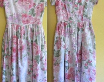 cabbage rose dress .  pink Roses Dress . Carol Anderson Rose Dress . Carol Anderson . pink roses dress
