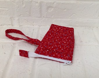 iTOVi Case / Water-Resistant iTOVi Bag / fabric zippered pouch for iTOVi / essential oils scanner pouch / small divided red floral pouch