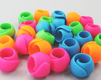 20PCS thread Peels/sewing Thread Spool Huggers/Stop Thread Spools with a Jar