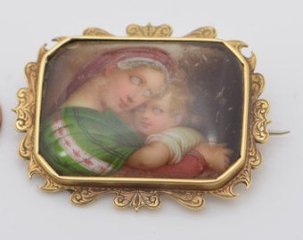 18k Yellow gold Madonna Porcelain Pin Renissance Style, Circa 1890