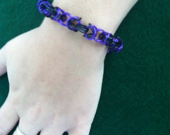 byzantine bracelet in black and purple