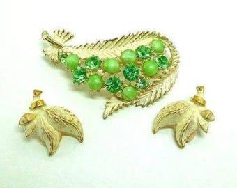 Brooch & Earrings Vintage MONET Green and matte white enamel over Gold Retro GREENERY