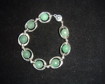 Faceted Green Averntine 12mm Round and Pewter Bracelet