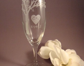 NEW Bride and Groom Toasting Flutes - Blooming Tree with Your Initials and Wedding Date , Bride and Groom Gift, Anniversary