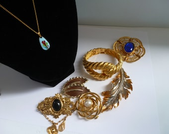 Vintage Jewelry Lot Vintage Necklace Bracelet and Brooches