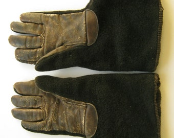 1900s women's gauntlet gloves, edwardian winter gloves, sleigh drivers gloves, mohair leather, automobile 1910s 1920s Boardwalk Empire WWI