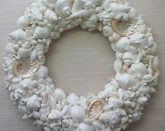 Beach Decor, Shell Wreath, Seashell Wreath, Sea Shell Wreath, Coastal Decor, Nautical Decor, Beach House Decor, Beach House Gift