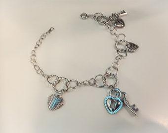 Charm Bracelet: Hearts, locks and keys