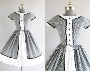Vintage 1950s Dress / 50s Cotton Dress / Black and White Gingham Print Dress with Full Skirt XS