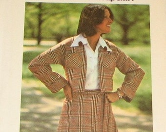 Short Jacket and Wrap Skirt 1970s Vintage Sewing Pattern BUTTERICK 3880, UNCUT