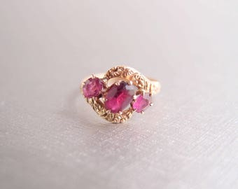 antique Georgian 10K Gold Ring 1830s pink Ruby Garnet paste 3 stone crossover bypass Midi Pinky Ring size 4