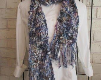 Women's loose knit scarf