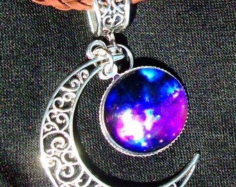 Galaxie Crescent Moon collier - tissé cordon en cuir marron, décoratif, Spooky, réglable, RedRobinArt