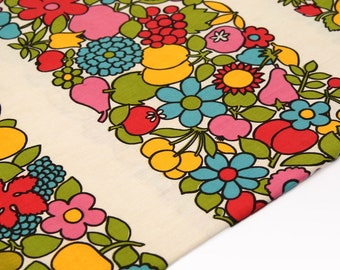 Original Vintage Fabric - 70s Home Decor Fabric - 120x100 cm - Fruits and Flowers decor - European Cotton Fabric in Unused Condition