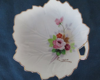 Vintage Signed Occupy Japan Leaf Hand Painted Dish Gold Gilt Home Decor Collectible China Plates Candy Dish Soap Dish