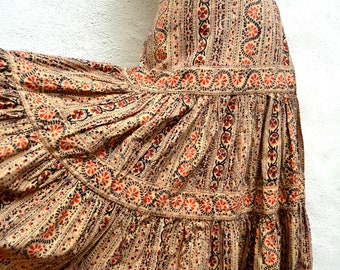 1970's INDIAN BLOCK Print TIERED Skirt. Size Small.