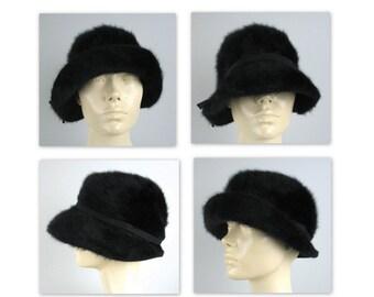 Vintage des années 60 Kangol chapeau Cloche dans un doux angora noir