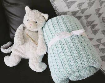 Crochet Blanket Throw // Baby Blanket // Pastel Green // Gifts for Women