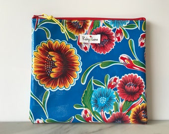 Square Oilcloth pouch / Oilcloth pouch / Makeup bag / Craft pouch / Birthday gift / Blue floral