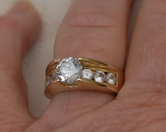 14kt Engagement/Wedding Ring with White Sapphires