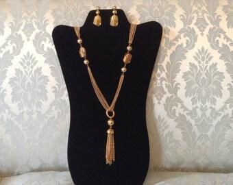 1970s Necklace Earrings /  MOD Necklace Earrings / Vintage Tassel Necklace