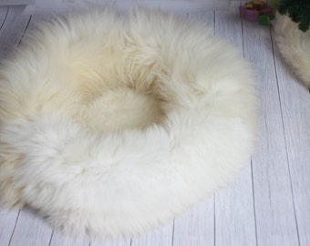 Newborn photography prop bed pouf Baby Photography Round Donut Posing Pillow Basket Filler Posing Photo Props Real Sheepskin