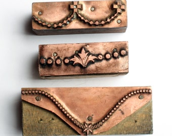 DELICATE GARLAND Borders 1903-1953 Antique GERMAN Copper Letterpress Cut printing block Necklace Fleur De Lis