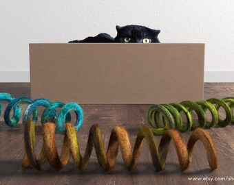 Cat toy / felted spiral