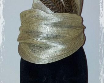 Bibi Grace in beige silk sinamay