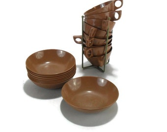 Vintage Melamine Dinnerware * Chocolate Brown Melmac Cups and Bowls * Set of 16 with Wire Cup Holder