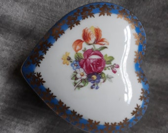 Dresden China heart shaped listed trinket box
