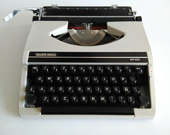 Manual Typewriter Silver Reed SR100 1977 New totally preserved