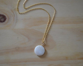 Simple White and Gold Necklace