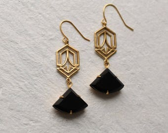 Art Deco Earrings ... Jet Black Art Nouveau Twenties Style 1920s