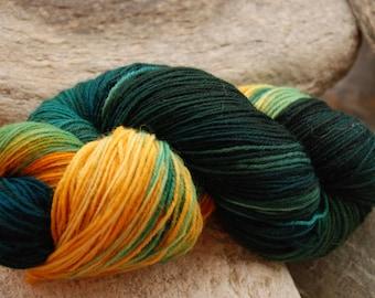 handdyed Yarn, 100g/ 3,5oz , colour dark Forest