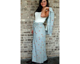 1970s maxi skirt and blouse, apple print skirt, blue white ticking, cute country outfit, A line skirt, Jamison Boutique, Size S/M