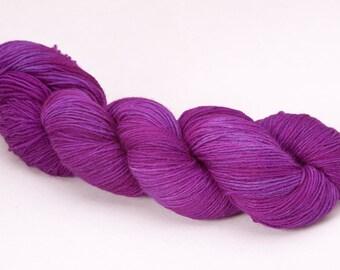 handdyed sockyarn superwash - wool/nylon mixture - fingering weight - colour s 239
