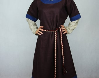 The early medieval women's tunic for Slavonic/ Rus women. Good for reenactors. Based on historical iconography.