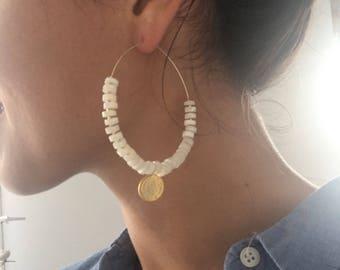 Queen V earrings