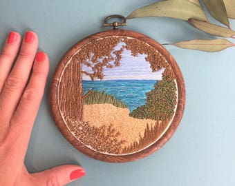 Hand embroidery artwork. Beach landscape. Stitched wall art. Embroidery hoop art. Needle painting. Ocean scene. Home decor art. Wall hanging