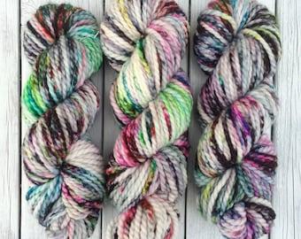 Zonko's, Zonko's more white, chunky yarn, bulky yarn, hand dyed yarn, indie dyed yarn, speckled yarn, wool