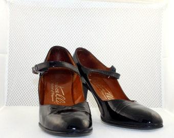 1950s Black Patent Monticelli Mary-Jane Pumps