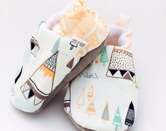 Teepee Baby Shoes, Baby Slippers, Soft Sole Baby Shoes, Baby Booties, Baby Moccasins, Crib Shoes, Mountain Baby Shoes, Moccs