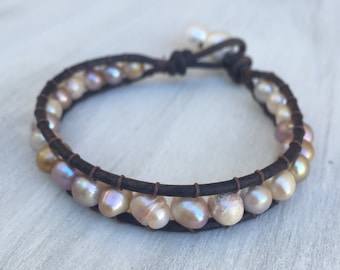Leather pearl bracelet, gift for her, gift under 30, freshwater pearl bracelet, freshwater pearls, leather wrap bracelet, leather and pearls