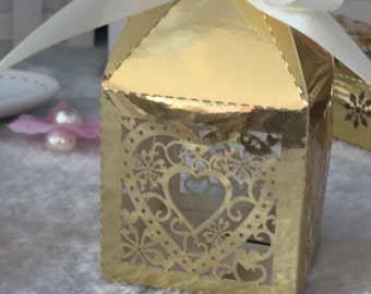 100pcs free shipping Laser Cut Wedding Favor Decoration Boxes/Heart Design Wedding Packaging Boxes/wedding Gift Boxes with ribbon
