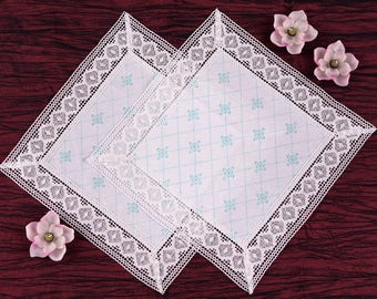 Napkin white - mint with lace